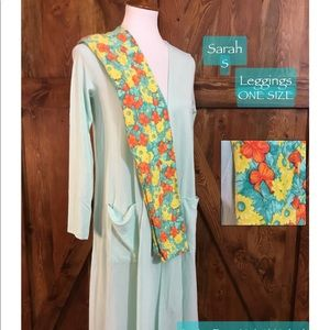 LuLaRoe outfit S Sarah, OS Leggings MSRP $90now60
